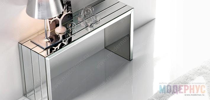 Зеркальная консоль в дизайне интерьера гостиной
